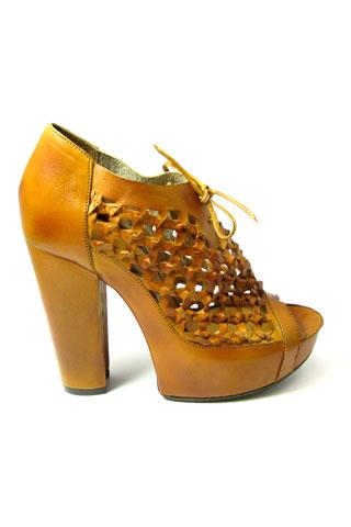 WHERE platform heels SS10